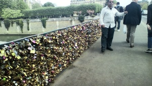 Food in hand, we crossed the padlock encrusted Archevêché Bridge over the Seine and back to the school.