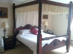 Featherstone Farm Hotel: a proper bed in Wolverhampton