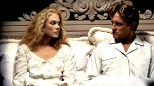 Kathleen Turner and Michael Douglas in The War of the Roses (which, considering it has absolutely zip to do with the actual WOTR, still manages to be a pretty awesome visual for a modern update...) [image credit: http://www.imdb.com/title/tt0098621/ ]