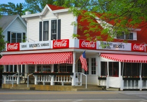 Wilson's Ice Cream Parlor, Ephraim, WI [image credit: Pinterest ] https://uk.pinterest.com/pin/102527328990458595/