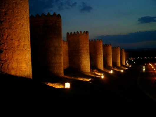 Medieval walled city of Avila, burial place of Tomás de Torquemada (Grand Inquisitor of the Spanish Inquisition). NOTE: although possibly responsible for 2000 executions, there is no record of him ever putting a dog into a car trunk in the middle of the summer. [Image credit: Diego Delso for WikiCommons]