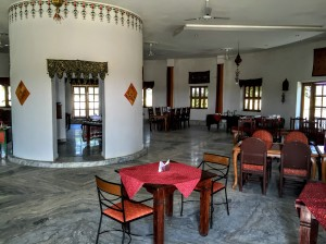 Devi Desert Resort—restaurant in the round
