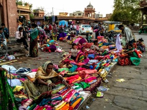 Used Sari market (c)Jayalakshmi Ayyer & Janine Smith