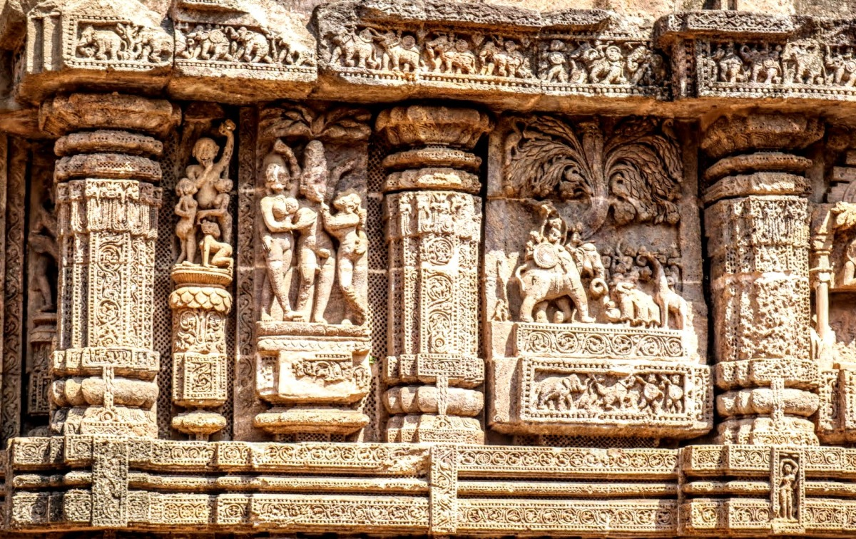 About those erotic carvings... A hot day in India. #humor #travel #India